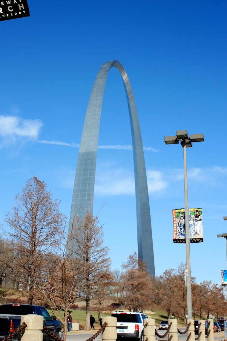 We stopped at the ARCH on our drive out west...