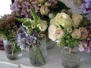 ritzybeeblog_jars_flowers